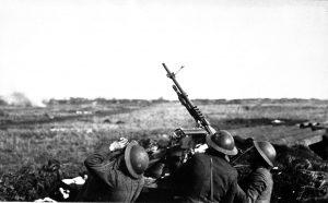 Mitrailleuse antiaérienne Hotchkiss Mle 1914 d'origine française