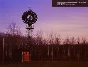 Éolienne à Azay-le-Rideau, détail d'une planche de l'exposition « Architecture au jardin » ® Château de Selles-sur-Cher, novembre 2017